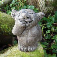 Nose-picking Troll (medium)