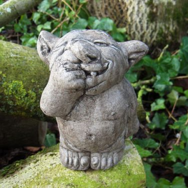 Nose-picking Troll (medium)