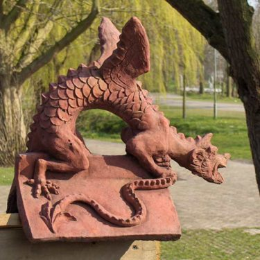 "Brighton Dragon medium ""V ""tile"