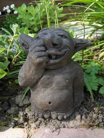 Nose-picking Troll (large)
