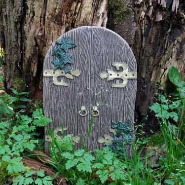 Gothic Fairy Door & Ivy